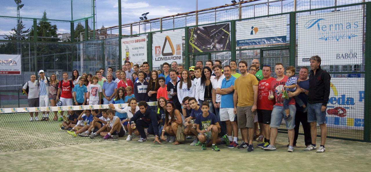 """Foto familia XVI Torneo de pádel """"ciudad de úbeda"""" - 2015"""